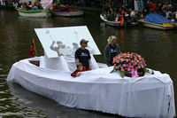 Dutch_canal_pride