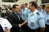 Sarko_congratulates_police
