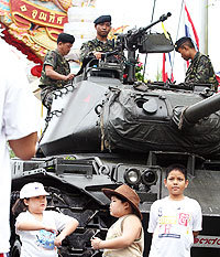 Thai_coup_kids_tank